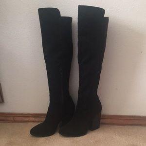 Faux suede boots!! Inside Zip